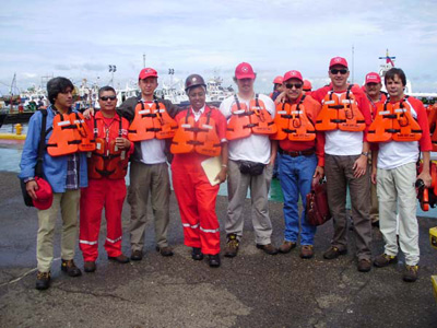 Together with oil workers before leaving for a trip on Lake Maracaibo