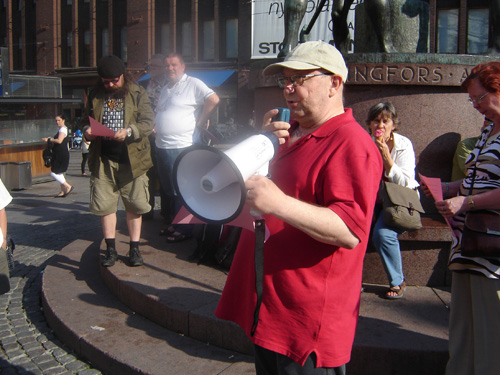 Solidarity picket with the Honduran resistance movement in Helsinki, August 11