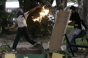 Violent oppositon supporters at the UCV- picture Reuters